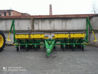 Сiвалка JohnDeere 7000